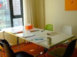 Klassrum för grupplektioner i kinesiska
