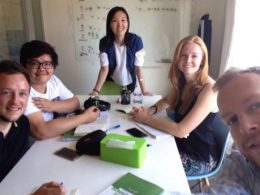 Studera mandarin i Peking - elever med läraren Lucy