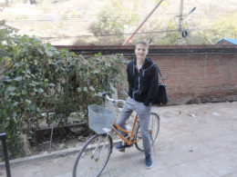 På väg till en lektion i Chengde
