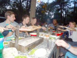 Njuter av kinesisk mat med LTL Mandarin School