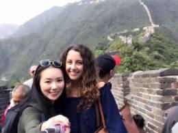 Marie och Jasmine på kinesiska muren