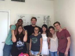 Våra elever lär sig mandarin av läraren Sofia