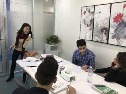 Grupplektion i kinesiska i Shanghai