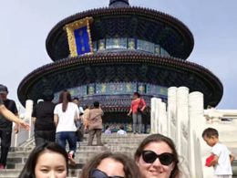 Marie, Jasmine och Christina upplever Peking