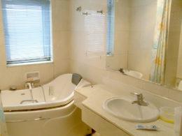 Badrum i vår lägenhet i Peking