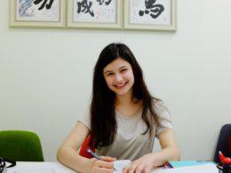 Anthea studerar kinesiska