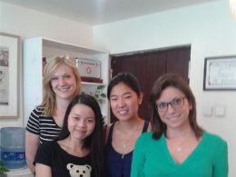 Läraren Emma med hennes elever